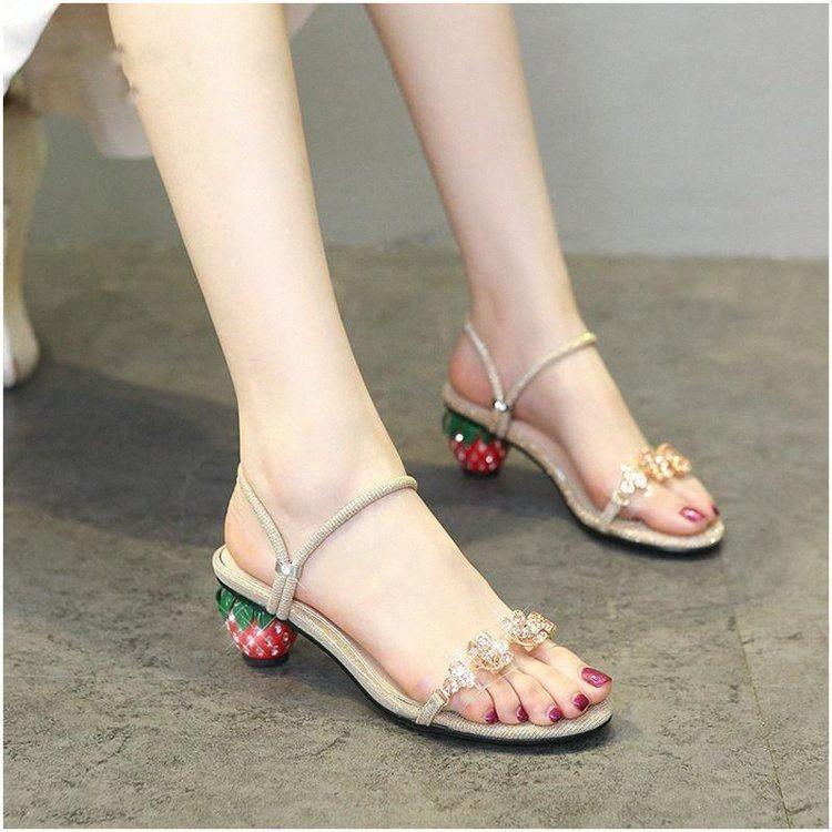 Net Red Sommer Sandalen weiblich 2020 Strass Sicherstes Slippers Fashion Erdbeere Chunky Heel Sandaletten nDSz #