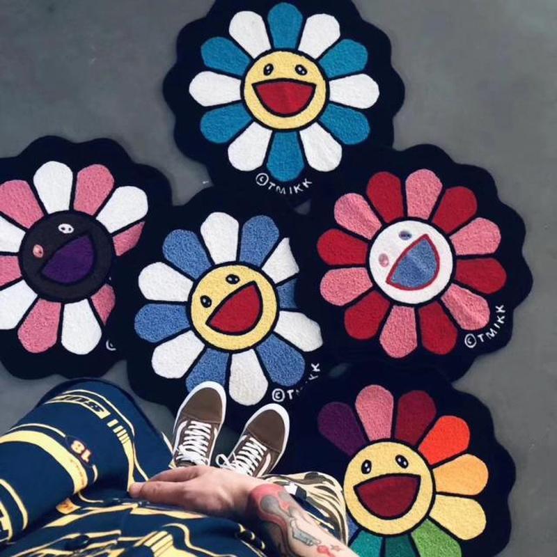 Оптовая 65см * 65см Мураками Такаши Кайкакикики Солнцезащитный ковер оригинальность Ванная комната Коврик для ванной комнаты Абсорбирующая коврик для пола Гостиная Коврики