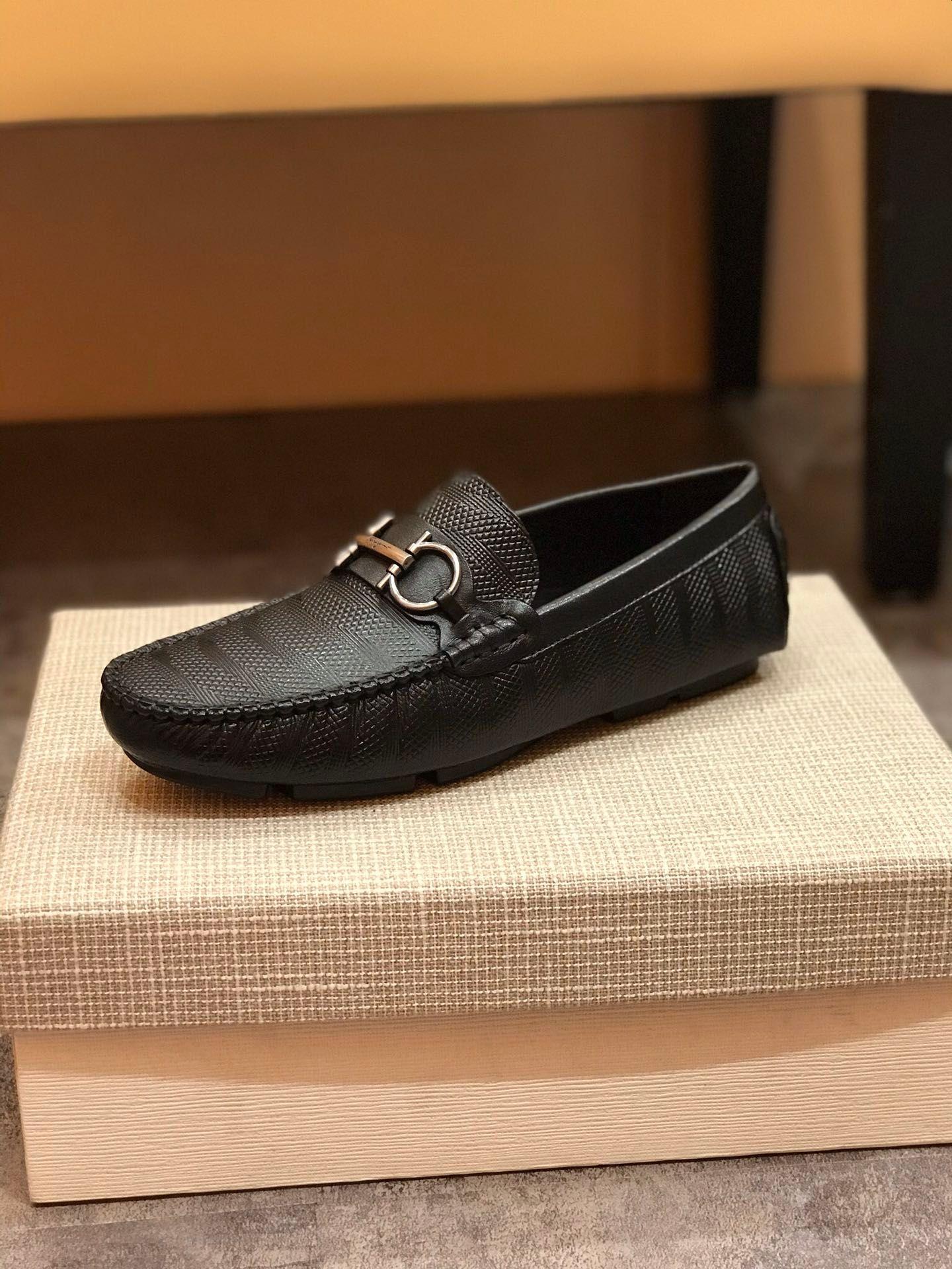 2020new высокого класса мужского натуральной кожи вождения обуви удобных мужчина # 39s свадебная обувь ПРОМ мужчин # 39s повседневная обувь металлической пряжка дизайн остроумие