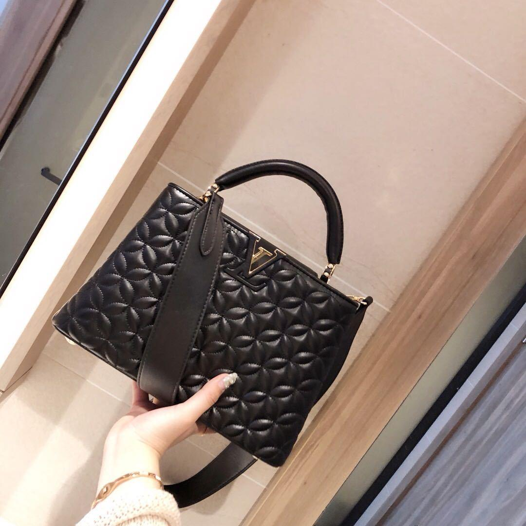 Luxury Classic Designer bags Love Heart V Wave Pattern Satchel Handbags With handle Shoulder Bag Chain Crossbody Purse Shopping Tote bag 214
