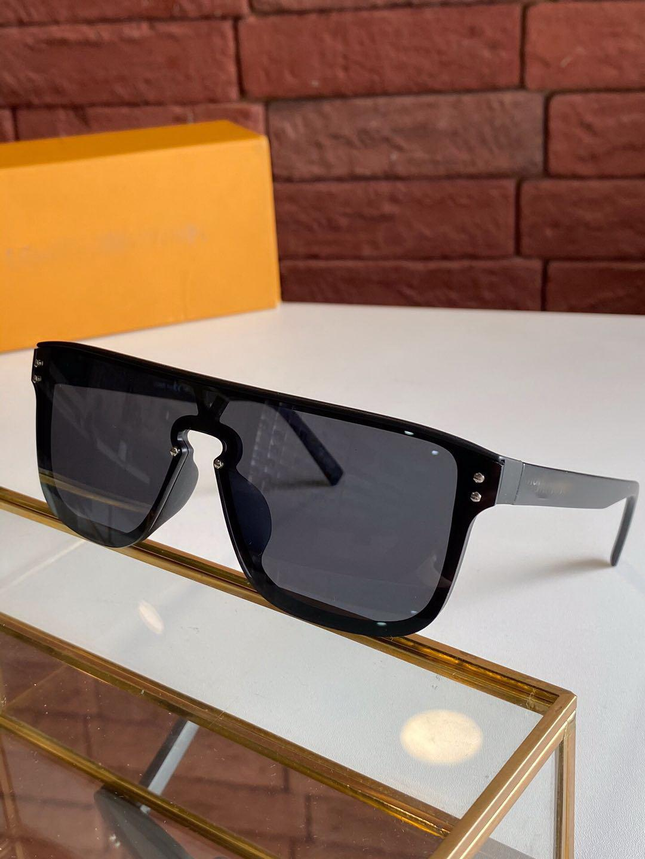 HOT Selling Sunglasses,Vogue Classic Simple sunglasses,Individuality Style sunglasses unisex,high quality plank sunglasses UV400 LVZ1082