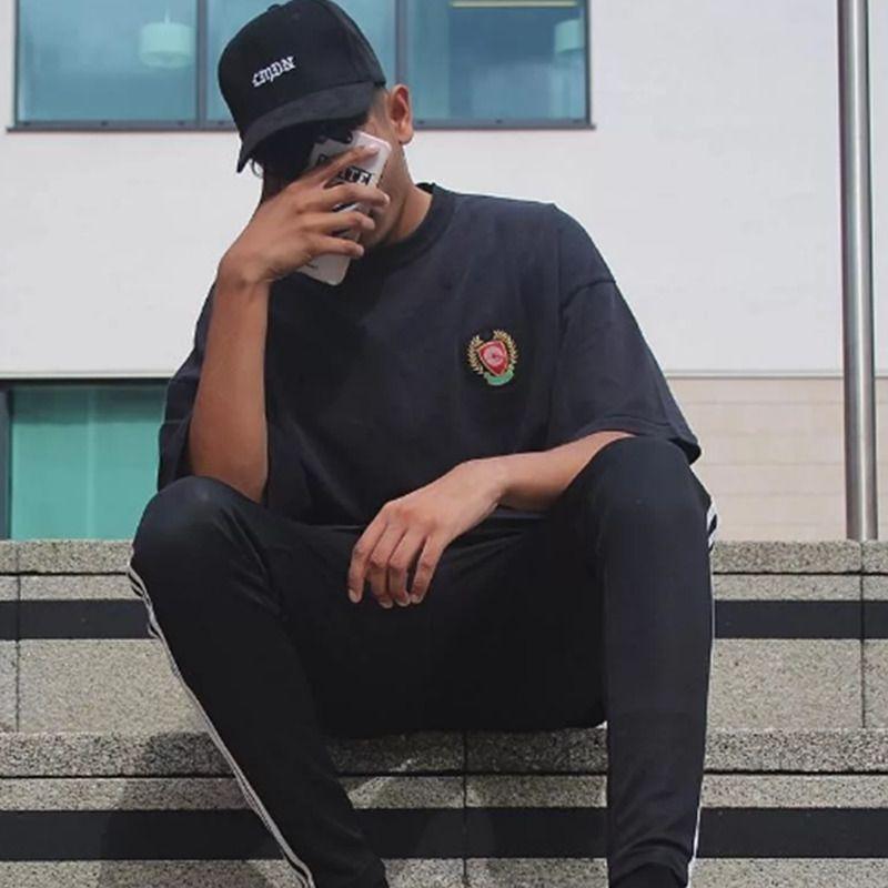 Venta caliente 20SS bordado de la vendimia camiseta de los hombres Mujeres sólido ocasional simple monopatín mangas Calle corta Camiseta respirable del verano Tee