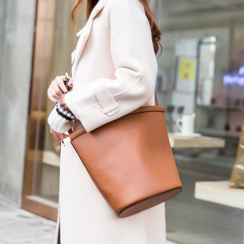 Frauen Schulter / Crossbody Koreanischer Stil New Eimer Tasche Mini Bag Casual GSVWK 2020 Clip Fubai