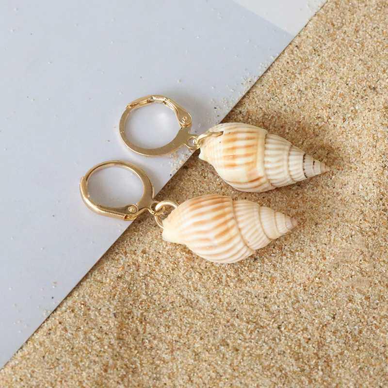 2020 Pendientes del aro de nuevo de la manera minimalista concha para las mujeres pendientes de oro de color pequeño aro con encanto natural de la concha