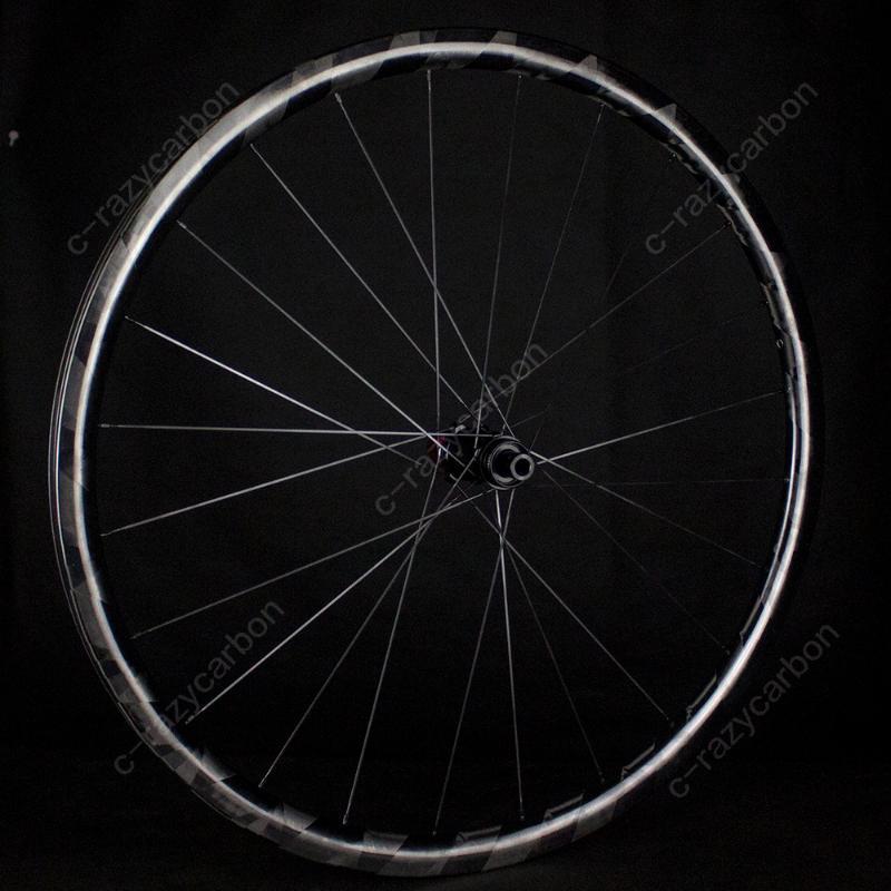 قطع زجاجات المياه أقفاص 700C مركز متقدم قفل القرص الطريق الفرامل العجلات عالية الضوء X عجلات ركوب الدراجات الكربون المختار