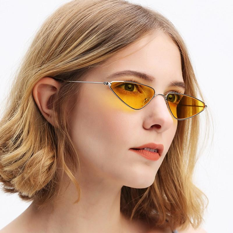Marca raffreddare piccoli occhiali da sole in metallo donne di disegno d'avanguardia Cat Eye Occhiali da sole Uomini Triangolo Rosso Giallo Colore Lenti Vintage signore