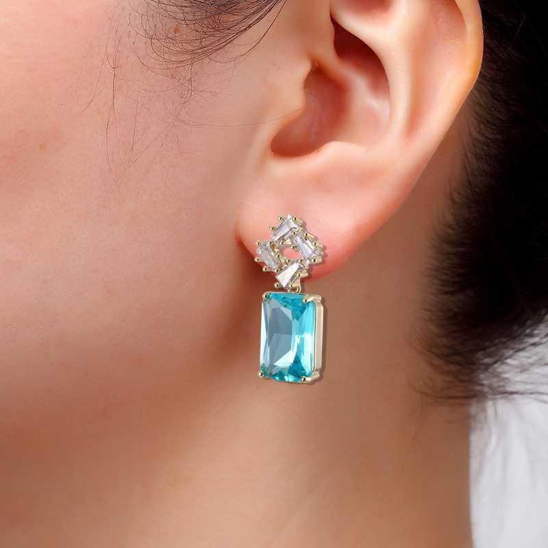 Mujer nueva Pendiente de la joyería del banquete Pendientes colgantes de cristal austriaco Fashion Square gota, azul, rosa Personalidad 2020