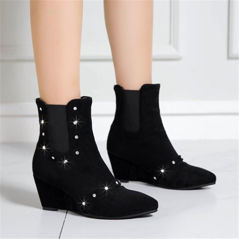 Yeni Geliş Rhinestone dolgu ayakkabı Kadınlar Bilek Boots Moda Sonbahar Kış Kadın Kısa Çizme Süet Deri Ayakkabı