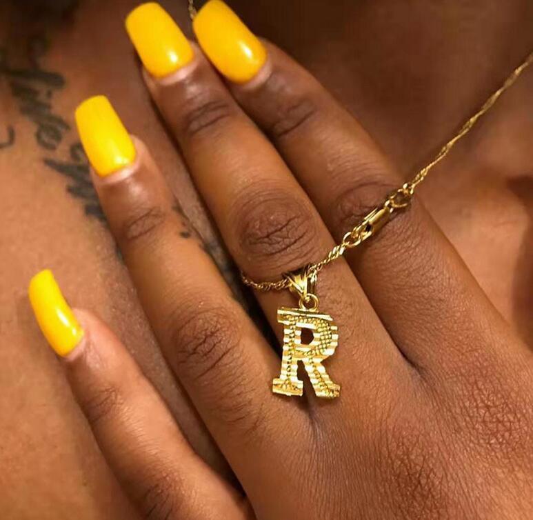 New Gold Tiny inicial collar de la letra de la Mujer de Hip Hop A-Z del alfabeto collar pendiente de la vendimia del regalo de la joyería Declaración Bijoux Femme