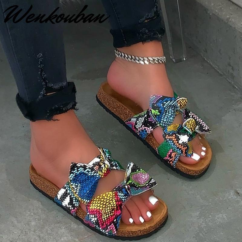 2020 Femmes Sandales Chaussures d'été Sandales plates-Bow Noeud Comfort Anti-Slip Chaussures de plage Plate-forme Diaporama Taille Plus Femmes Sandales Y200620