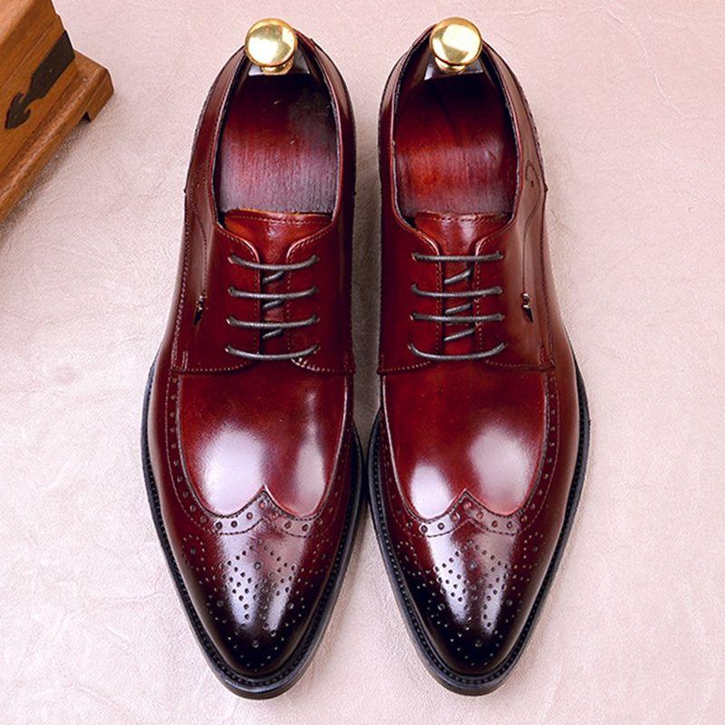 Designer britannico del cuoio genuino Oxfords Tacchi nozze degli uomini di Scarpe a punta Laces uomo vestito convenzionale Wingtip Stringata Scarpe FWL158