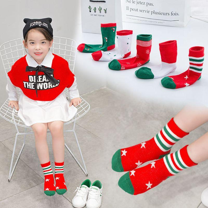 5pair / Set 5pair / Set Crianças crianças Outono Inverno macias do algodão Meias de Natal bonito dos desenhos animados Tema Tamanho do Tornozelo Sock para Festival