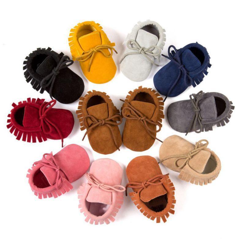 2020 zapatos de bebé suavemente único cuna zapatilla de deporte del niño de Prewalker el primer caminante de la franja antideslizante PU Suede zapatos de cuero de cabrito