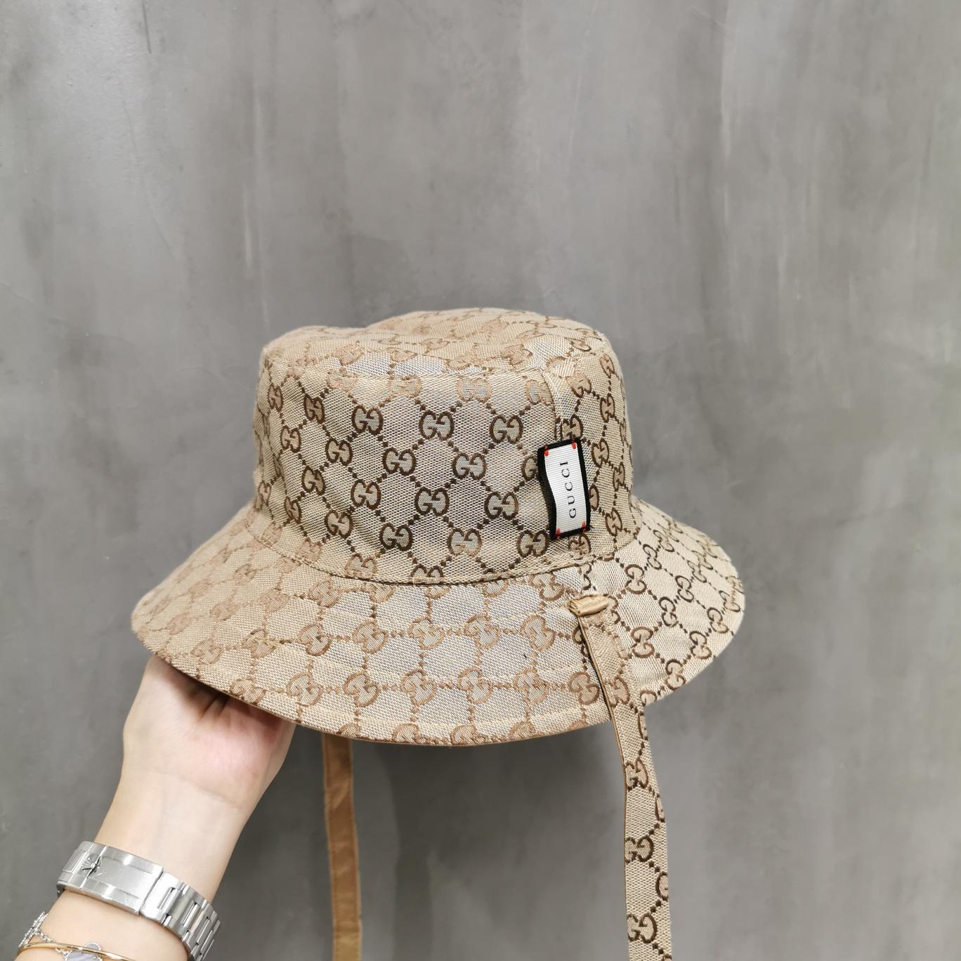 Four Seasons Mens protezione di modo cappelli del bordo avaro di stampa del modello traspirante casuale Equipaggiata cappelli della spiaggia con le lettere opzionale ad alta Quali BB094