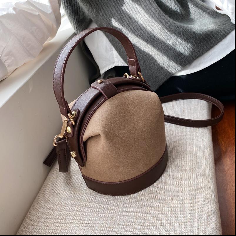 Balde Tote Moda Feminina Vintage Bag 2019 New Qualidade Matte Couro Womens Designer Viagem Handbag Shoulder bag Mensageiro