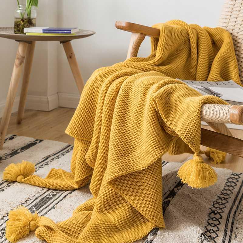 Желтого Одеяло Диван Knit Throw Одеяло Solid Soft PomPom кисточка Путешествие 130x160cm Главная Диван Кресло Диван-кровать 50 «x62»