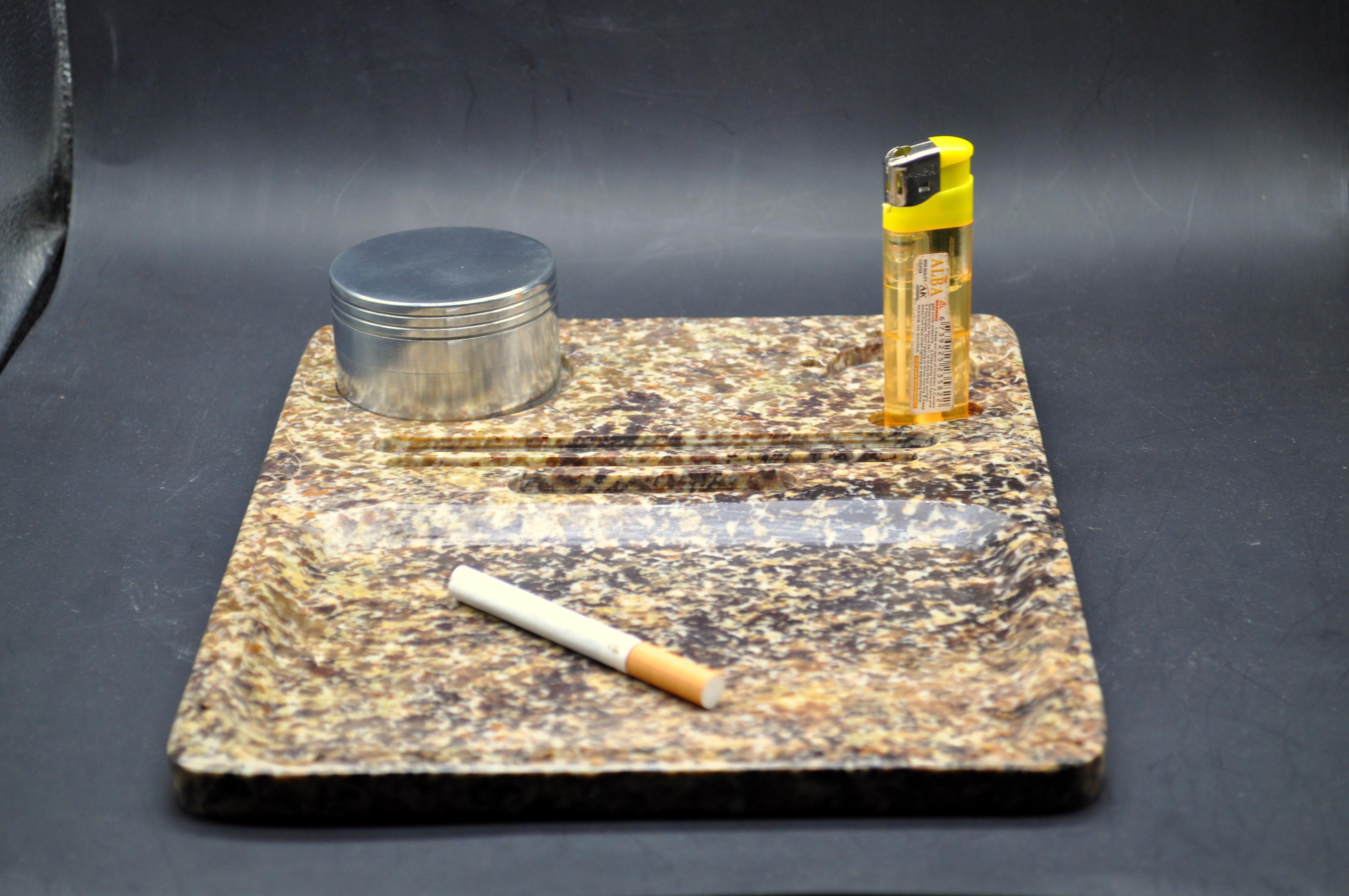 Rolling Trey Große Handgemachte Seifenstein Raucherpfeife / Bong / Handgestart Rauchergerät / Wasserpfeife / Löffel Rauchrohr Stoned Marke