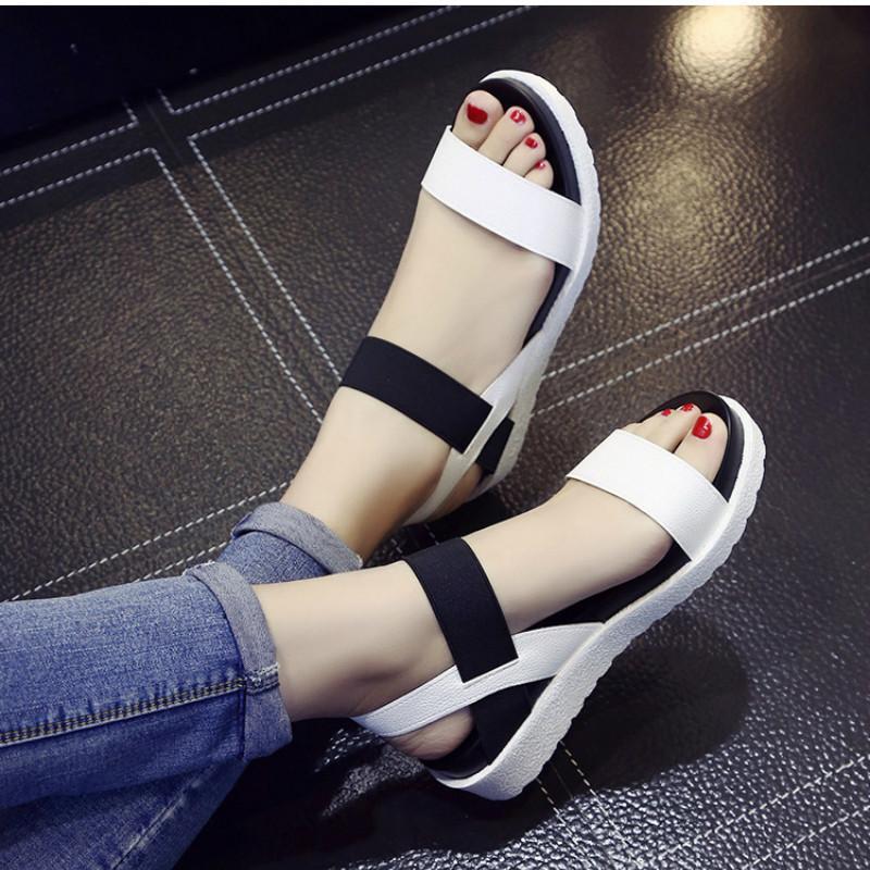 Frauen Sandalen Sommer Schuhe Peep-Toe-Slip on Flache Sandalen für Frauen römische Art-Sandelholz Mujer Damen Sandalen Flip Flops