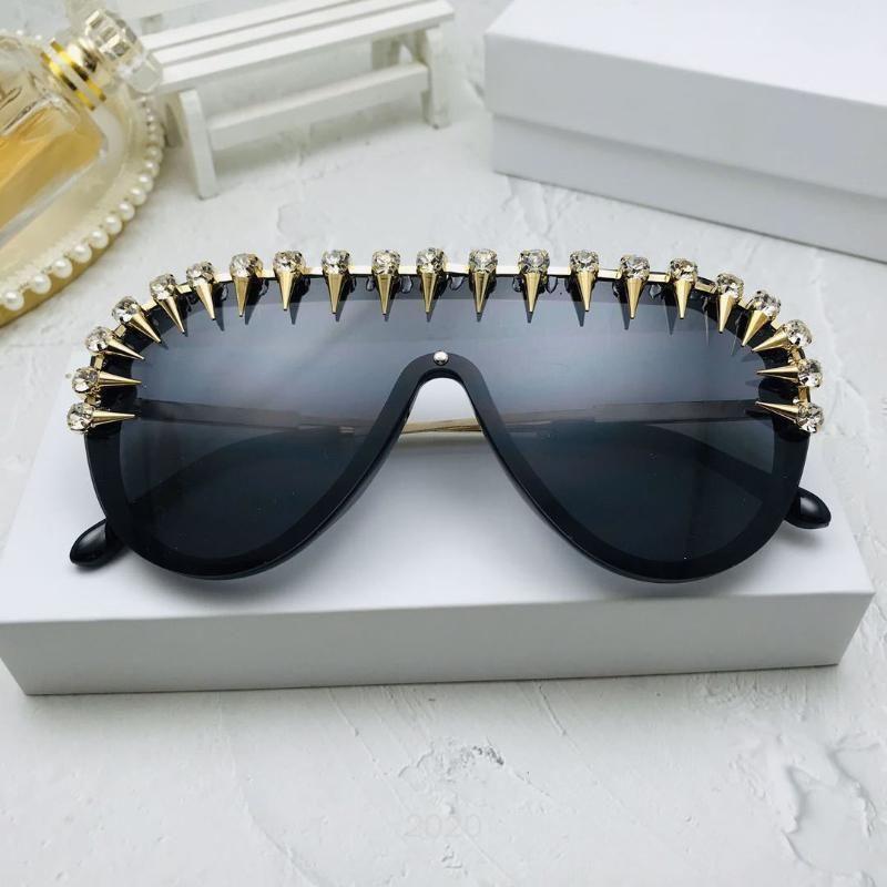 Lunettes de soleil Mincl / 2020 Retro Women's UV400 Sunglasses 2020 Marque Round Rivets NX Shades Design Pilote féminin de luxe pour Vjspu