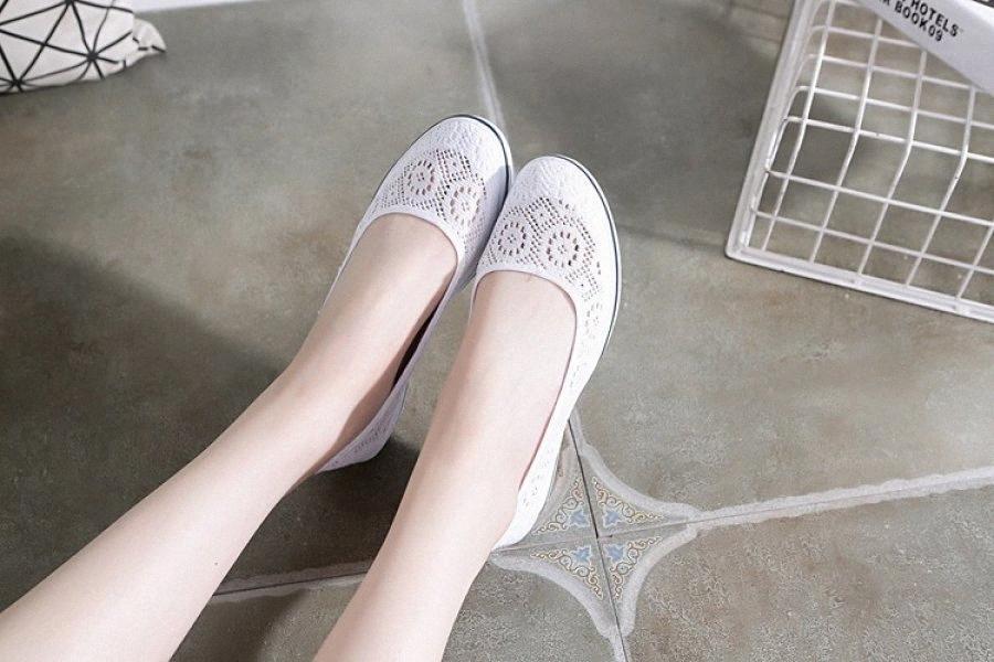 New Mulheres Flats Shoes Verão Senhoras malha sapatos baixos Mulheres macio respirável Sneakers Casual Branco Fundo Plano 9dnI #
