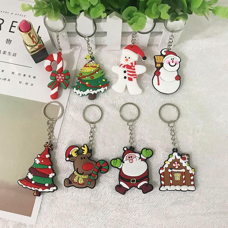 Arbre de Noël Keychain PVC souple Cartoon 3D Père Noël Pendentif Ornement Keyring porte-clés pour cadeaux ami de la famille