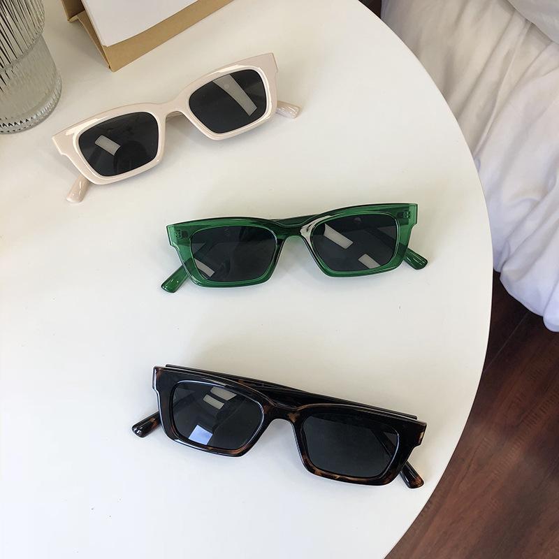 2020 Quadrato Sole Occhiali Viaggi Small Rectangle Occhiali da sole Uomini Retro Donne