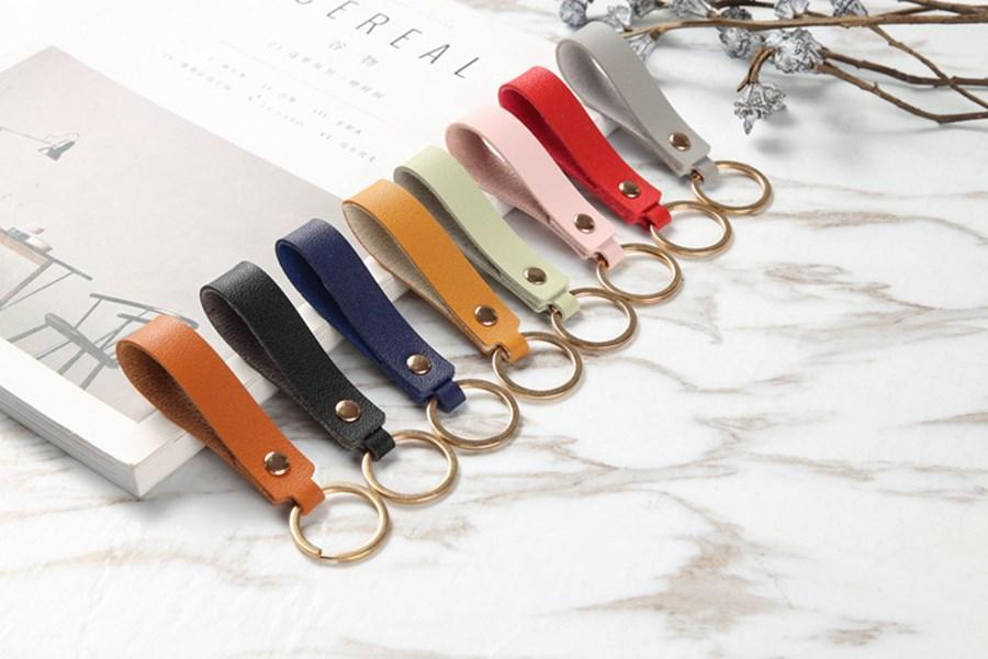 سبائك المزيج اللون PU الجلود الاصطناعية سلسلة المفاتيح هدية الإبداعية الصغيرة مخصص قلادة للجنسين والاكسسوارات والمجوهرات بالجملة