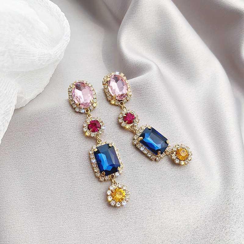 Dominado 2020 nova geometria multicolor cristal longo coringa contraiu gota brincos Jóias Mulheres temperamento