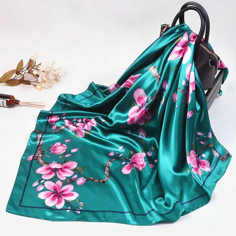 2020 donne della sciarpa di seta del progettista bei fiori Foulard raso molle dello scialle Sciarpe Kerchief 90 * 90cm collo quadrato Foulard