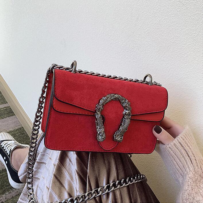 Factory wholesale women handbag winter new velvet shoulder bag retro leather chain bag street trend velvet leather women messenger bag