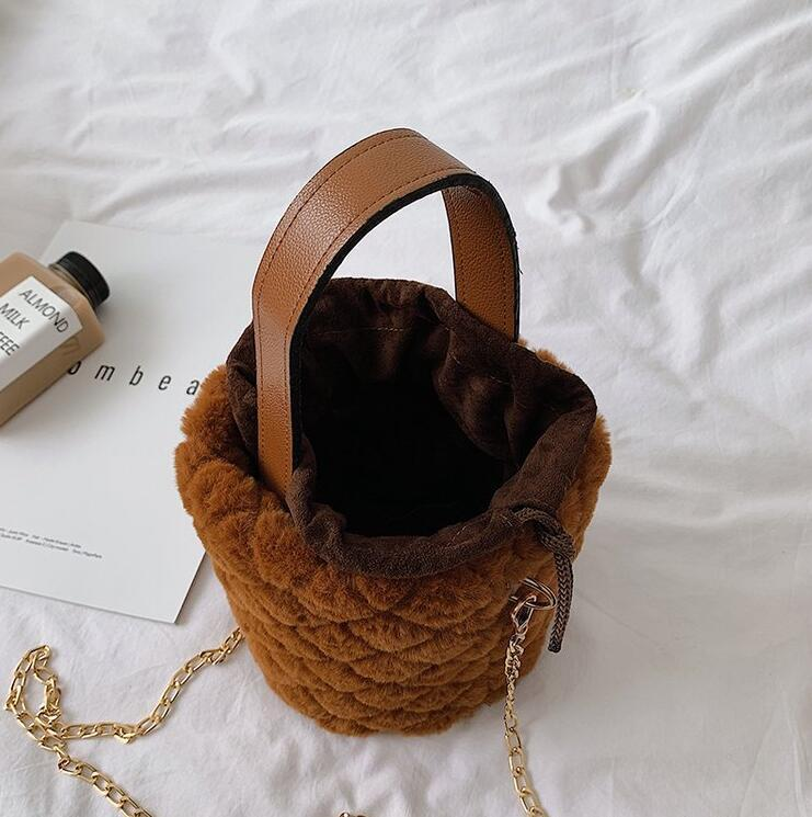 Al por mayor cadena de Ringer Cubo muchacha bolsa de hombro Crossbody de las mujeres felpa Bolsas señora Mini bolsos otoño invierno bolsa
