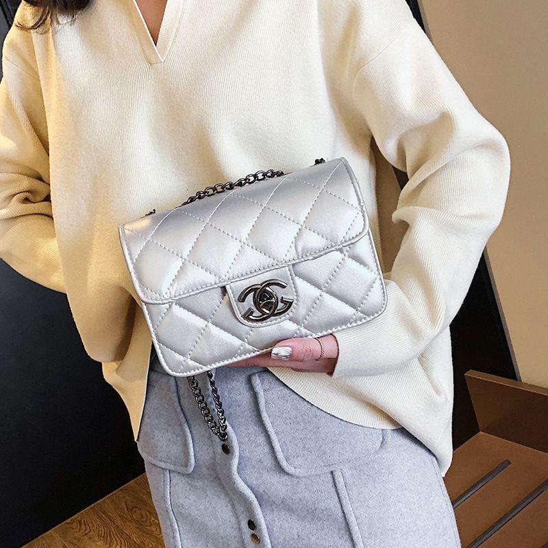Yeni Omuz küçük kare moda nakış küçük kare tüm maç zincir kadınların sırt çantası rahat omuz çantası messenger çanta 8Q50N
