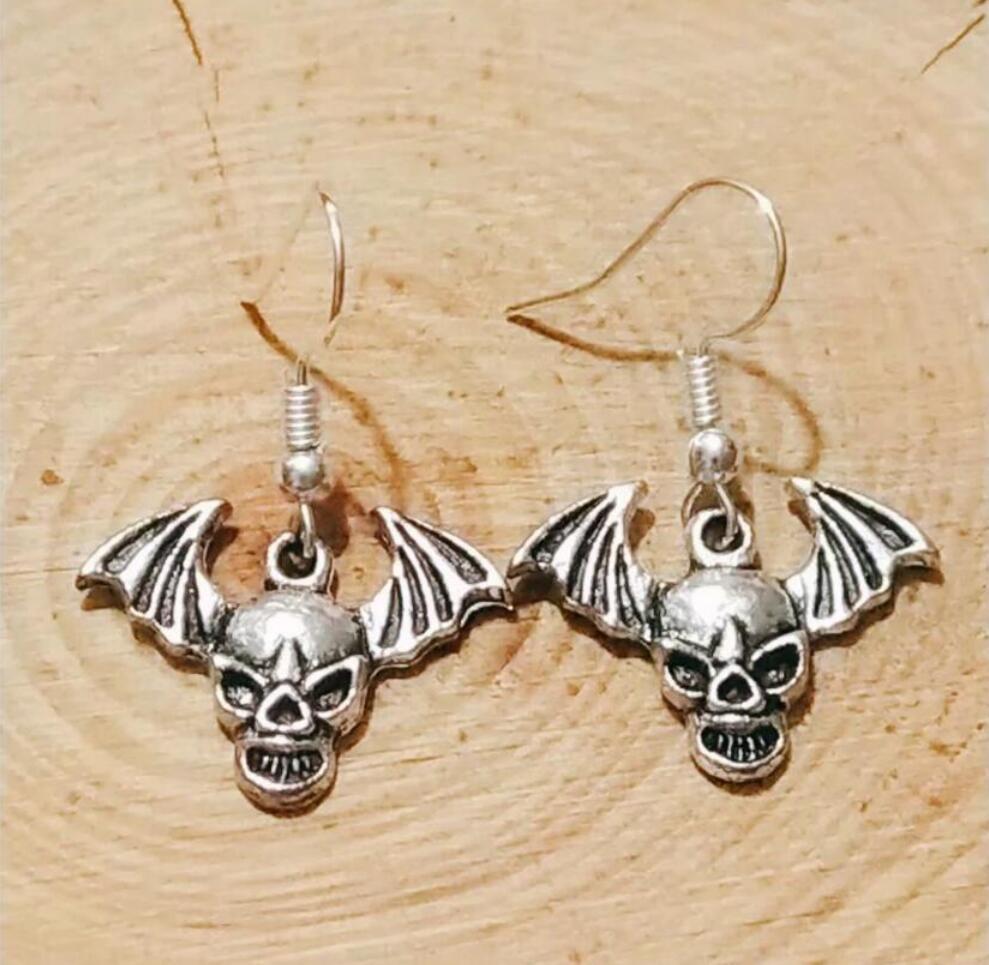 NEW fast shipping Metal Scary Winged Skull Earring Friendship Charm Drape Earring DIY Women Jewelry Gifts 232