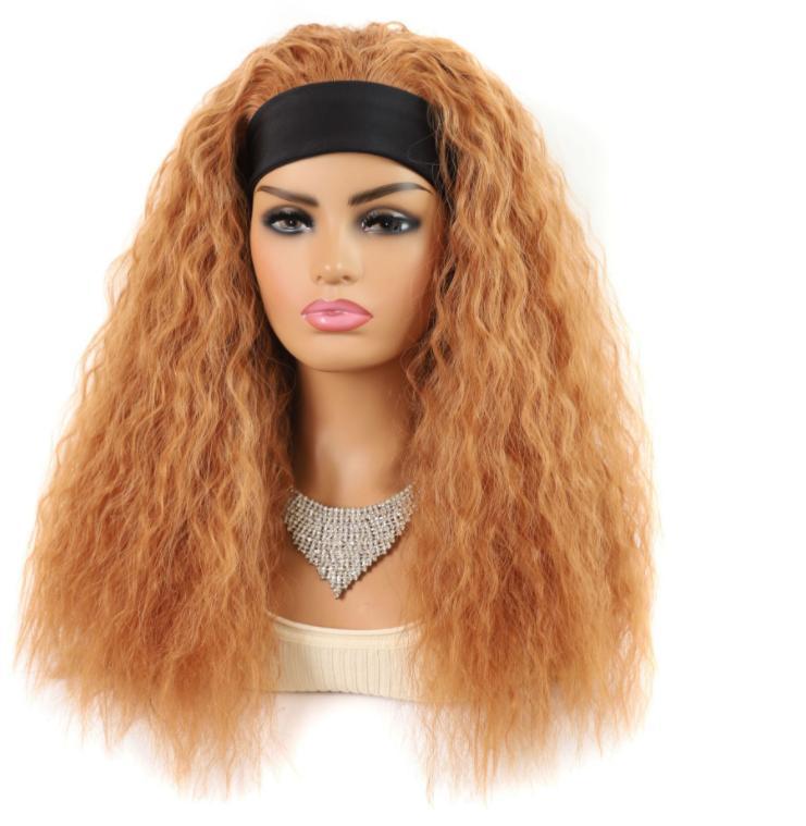 2021 شعر جديد مع شعر مستعار، حجاب بني فاتح، كي من الذرة، شعر مستعار طويل، شعر مستعار عميق الشباك، سماعة طويلة.