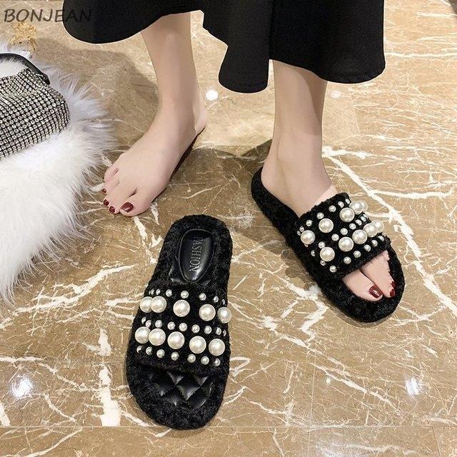 2020 de invierno de las nuevas mujeres del deslizador de la manera de la perla grande mullido pío de los deslizadores del dedo del pie inferior suave del color del caramelo planos cómodos zapatos de las mujeres