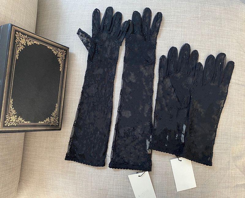 여성용 검은 얇은 명주 그물 장갑 디자이너 숙녀 편지 프린트 수 놓은 레이스 운전 여성용 장갑 패션 얇은 파티 장갑 2 크기