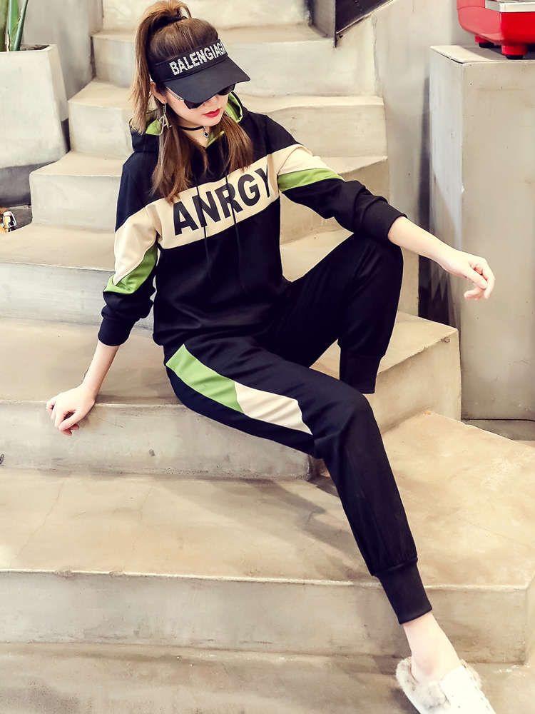 Европейский плюс плюшевый осенний и зимний костюм 2020 новых женских спортивных досуга мода корейской версии двух частей свитера