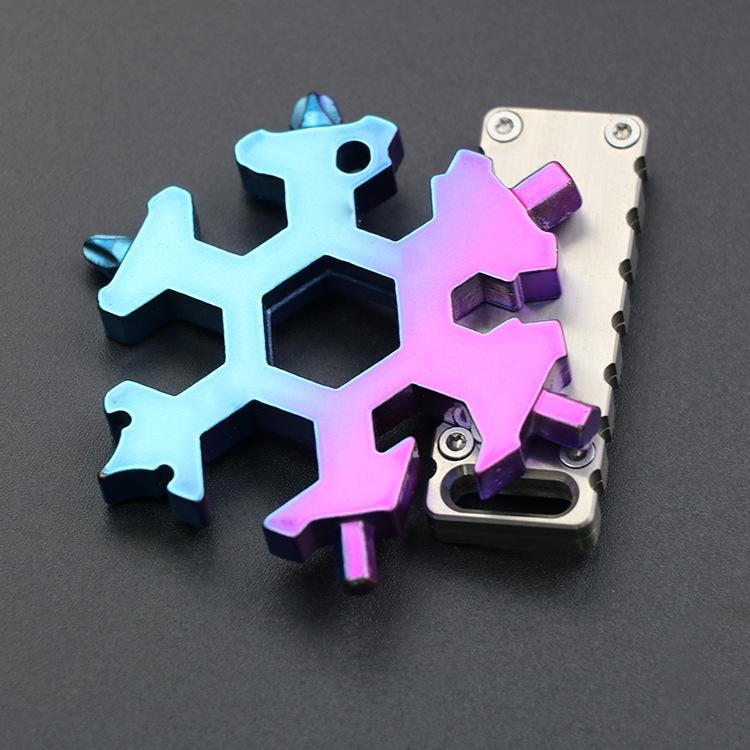 Free DHL 18-IN-1 SnowPlake Multi-Tarjeta de acero inoxidable Multítimo Combinación Compact Portable Outdoor Products Tarjeta de herramienta de copo de nieve M868F