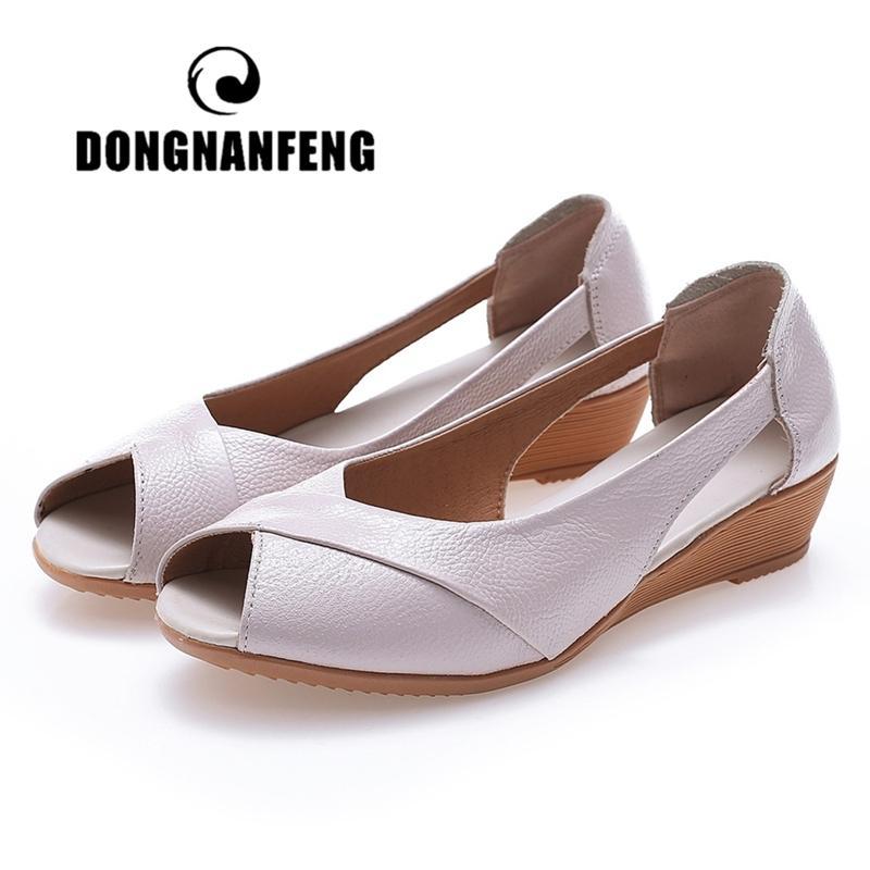 Dongnanfeng Frauen Mutter Weibliche Schuhe Sandalen Wohnungen Kuh Echtes Leder PU Lässige Sommer Cooler Strand Slip auf Größe 35-41 TB-2076 T200605