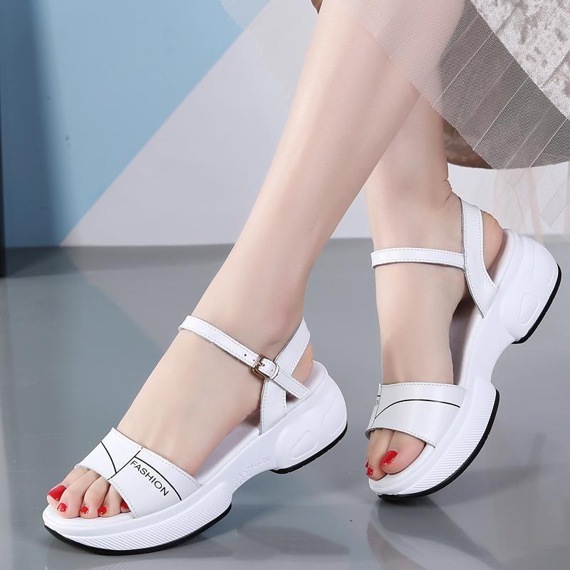 Okkdey Femmes Sandales Chaussures En Cuir Véritable Plateforme Plateforme Sandales Plates Sneakers Appartement 2021 Coins de Basse Gladiateur d'été Femelle