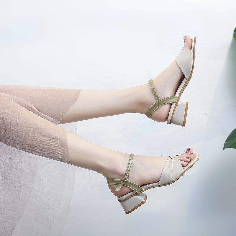 Sandálias plana Fada feminina vento 2021 New Summer Best Tie-in Dress Students Uma palavra com os sapatos de moda ins