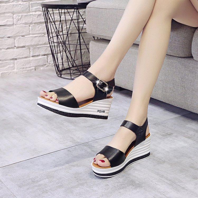 Alta Qualidade Sapatos de Verão Mulher Sandálias de Couro High High Heaver Sandálias Sandálias Bolo de Esponja com Toe Open Thick Feminino W206