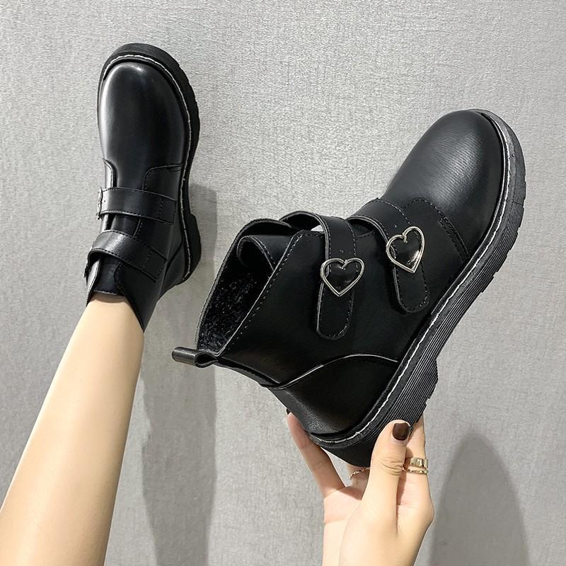Stivali di gomma da donna Round Toe Scarpe Designer di lusso Stivaletti Designer Donna 2020 Tacco basso Stivali invernali Stivali da donna