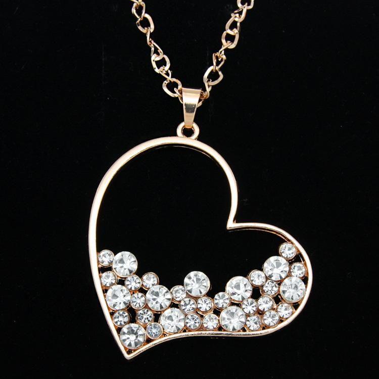 Pendentif Colliers Gold strass Heart Long Chair Collier Pendentifs Pour Femmes Accessoires Mignonnes Girl Cadeau Dress Love NKEM67