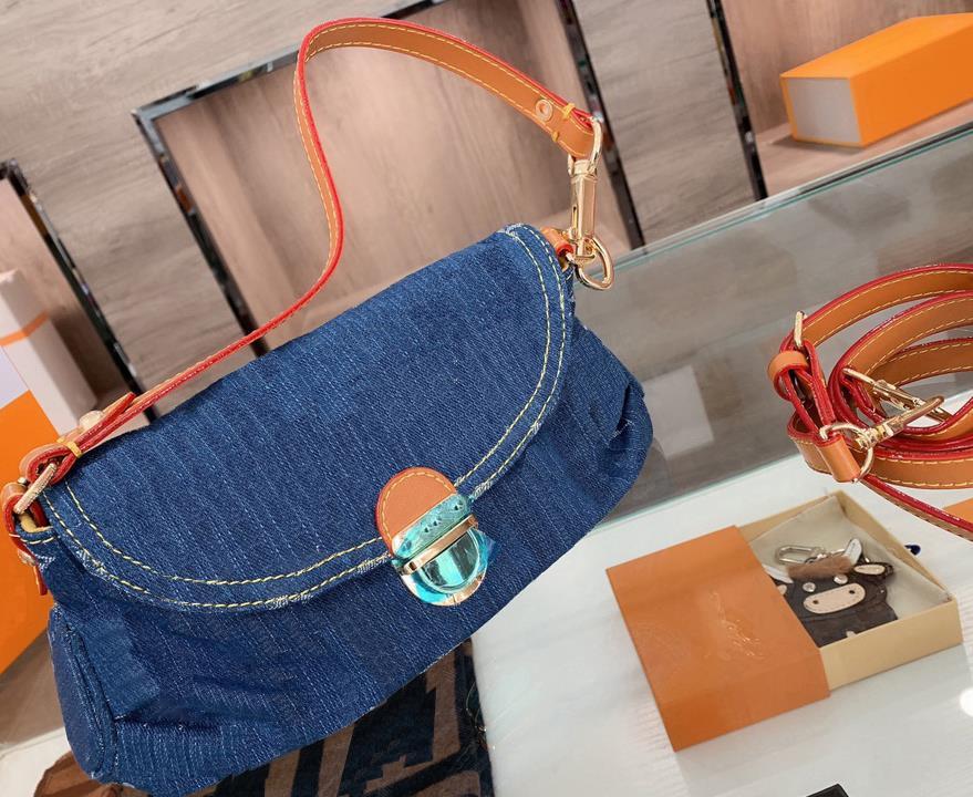 Sacs de sacs de concepteurs sacs à main de grande capacité Sac shopping Femme Tote-Totes Travel Nouveaux sacs à bandoulière Sac à bandoulière