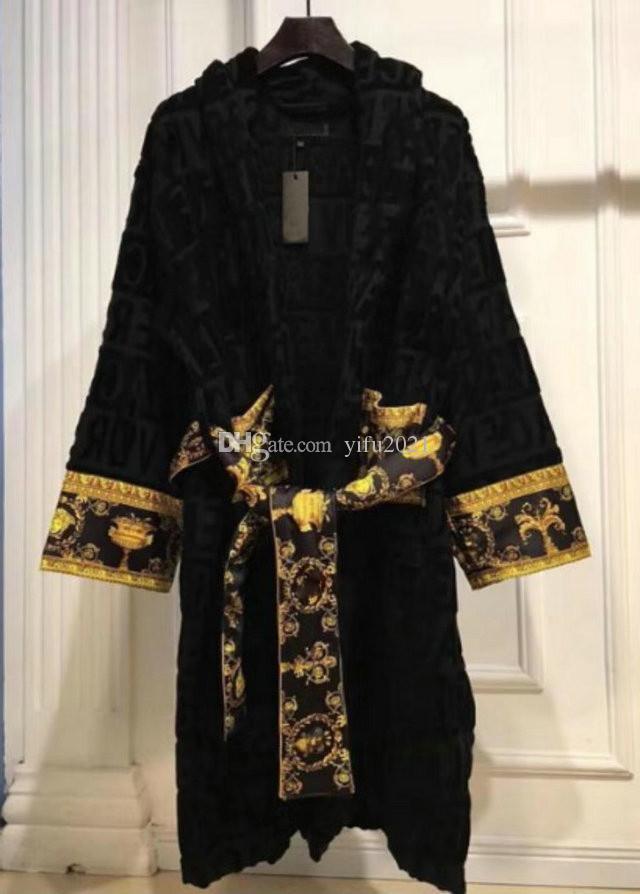 Designer Roupas Clássico Carta Impressão Masculina de Sleepwear 100% Algodão Girl-Down Collar 5a Qualidade Mulheres vestes populares roupões de banho preto branco
