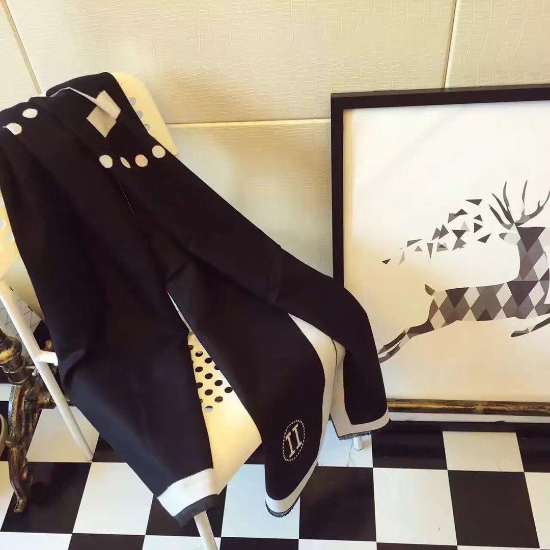 2020 nuevo de la venta de la marca de calidad La bufanda de seda de alta marcas de diseño floral manera de la bufanda del mantón de las bufandas de las mujeres Tamaño 180x70cm 20102307U