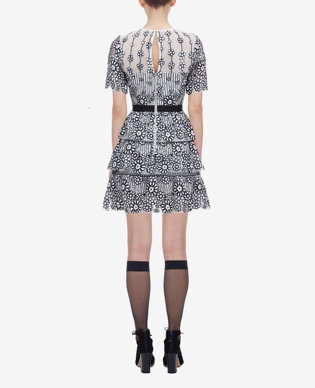 2021 Yaz Sequins Kadın Örme Dışında Kadın Kısa Kollu Çevresinde Onun Boyun Mini Kadın Pist Tasarım Parti Elbise Kadın Giysileri 7648