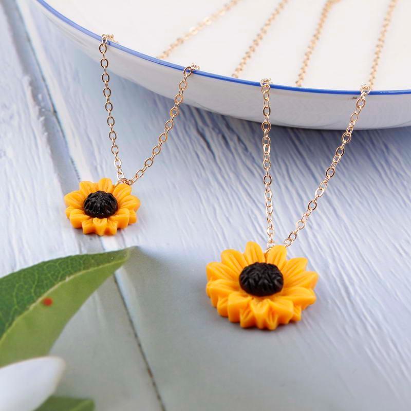 Collar colgante de girasol N5526 ZWPON Mini para las mujeres de moda de verano Partysu resina flor de la margarita Gargantilla joyería del collar del collar