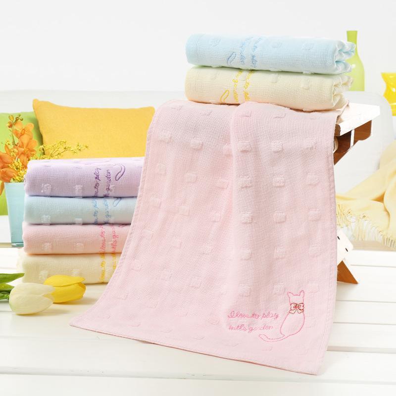 Dropshopping 4pcs Kids Washcloth Set set di cotone ricamo gatto stampato per bambini Asciugamani morbidi per bambini Colori misti Asciugamano da bagno 25x50cm1